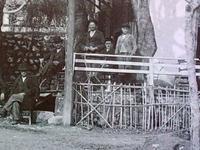 Πάτρα 1920: Το καφενείο του Τσόλη στα Σύνορα- Μια συλλεκτική φωτό