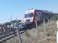 Σύγκρουση τρένου με  ΙΧ στα Διαβατά - Τραυματίστηκε έγκυος γυναίκα και ένα άνδρας