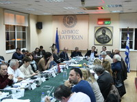 Ένταση και αποχωρήσεις από το Δημοτικό Συμβούλιο της Πάτρας για τα δημοτικά τέλη