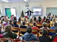 Ο Άγγελος Τσιγκρής μίλησε στους μαθητές του 33ου Δημοτικού Σχολείου της Πάτρας για τη σχολική βία - ΔΕΙΤΕ ΦΩΤΟ