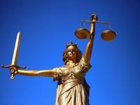 """Εννέα εγκλήματα που συγκλόνισαν και τώρα θα """"βρεθούν"""" στα  δικαστήρια"""