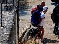 Στέλνουν στην Εύβοια τους πρόσφυγες που έδιωξαν από τα Βρασνά