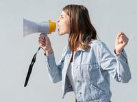 Γιατί το άκουσμα κραυγών μας κάνει επιθετικούς;