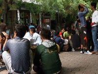 Αυτοψία στις πιάτσες διακίνησης προσφύγων της Αθήνας -ΒΙΝΤΕΟ