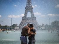 Έρχεται νέο κύμα καύσωνα στην Ευρώπη - Πορτοκαλί συναγερμός στο Παρίσι