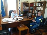 Ο Δήμαρχος Αιγιάλειας Δ. Καλογερόπουλος συναντήθηκε με τον διοικητή της Πυροσβεστικής