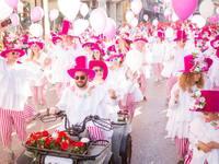 """Οι """"λουλουδούδες"""" που φώτισαν το Πατρινό Καρναβάλι μέσα από 25 φωτό του Νίκου Ψαθογιαννάκη"""