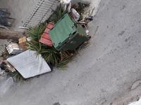 Κάδος στην Καρόλου & Κάλβου, έχει μετατραπεί σε χωματερή -ΔΕΙΤΕ ΦΩΤΟ