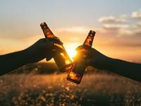 Μπύρα (ή μπίρα) -Η ιστορία του δημοφιλέστερου καλοκαιρινού ποτού