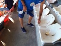Με χαρτί τουαλέτας καθάριζαν τις καρέκλες στο φιλικό της Παναχαϊκής (ΦΩΤΟ)