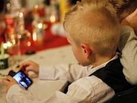 Tο παιδί μου ζητά κινητό και λογαριασμό σε social media, τι να κάνω;