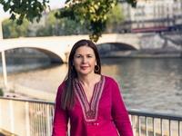 Η Τασούλα  Επτακοίλη στο thebest για τον καρκίνο, τις απώλειες και τη συγγραφή