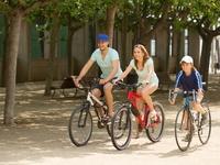 Οι γονείς γίνονται πιο χαρούμενοι όταν ενηλικιώνονται τα παιδιά τους