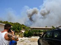 Φωτιά Αρχαία Ολυμπία: Εκκενώνονται 8 ακό...