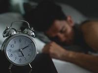 Τι είναι ο κιρκάδιος ρυθμός, το αρχαιότερο από όλα τα ρολόγια που ελέγχει τη ζωή μας