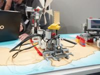 Πάνω από 1.000 παιδιά στην Αιτωλοακαρνανία προγραμμάτισαν ρομποτικό μηχανισμό που ζωγραφίζει