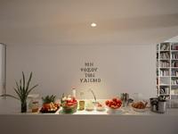 Μυρτώ Κιούρτη: Το λιτό, αφαιρετικό σπίτι της «σχολιάζει» τον υλισμό