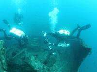 Ο έμπειρος δύτης Χρήστος Καραφλός μας ξεναγεί στα ναυάγια του Πατραϊκού - ΒΙΝΤΕΟ