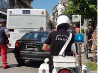 ΙΧ αυτοκίνητο καρφώθηκε σε λεωφορείο στο κέντρο της Πάτρας
