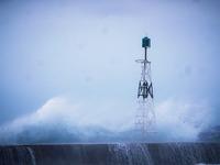 Μπήκε κυματογράφος στο νότιο λιμάνι της Πάτρας
