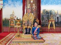 Ταϊλάνδη: Ο βασιλιάς αφαίρεσε τους τίτλους της σύντροφό του- Την κατηγορεί για απιστία