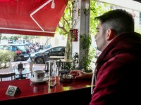 «Χαριστική βολή» η απαγόρευση καπνίσματος στα μαγαζιά της Πάτρας