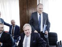 «Σκόνταψε» η συμφωνία για την ψήφο των Ελλήνων του εξωτερικού