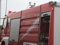 Φωτιά σε οροφή επιχείρησης κοντά στη Λαχαναγορά της Πάτρας