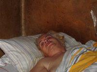 Ξεχασμένη από θεό και ανθρώπους 62χρονη σε σπίτι-τρώγλη!