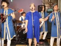 """Οι Ιάπωνες που κάνουν διασκευές ελληνικών παραδοσιακών τραγουδιών """"ξαναχτυπούν"""" μαζί με Πατρινή τραγουδίστρια!"""