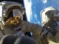 """Ρώσος αστροναύτης: """"Οι κοσμοναύτες είναι καλό να οπλοφορούν επιστρέφοντας στη Γη"""""""