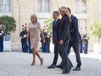 Η πρόσκληση στην Μπριζίτ Μακρόν, τα ρούχα και τα γαλλικά της Μαρέβας- ΒΙΝΤΕΟ