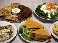 Σινιάλο: Μεσημέρια με ουζάκι ή τσιπουράκι και φίνο μεζεδάκι!