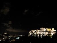 Εξακολουθεί να γοητεύει η Αθήνα τους επισκέπτες της