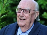 Πέθανε στα 93 του χρόνια ο συγγραφέας Αντρέα Καμιλέρι