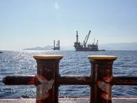 Κατατέθηκαν στη Βουλή οι συμβάσεις για έρευνες υδρογονανθράκων στο Ιόνιο και την Κρήτη