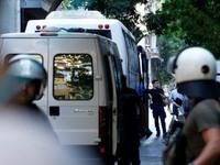 Νέα επιχείρηση της ΕΛ.ΑΣ. στα Εξάρχεια για εκκένωση κτιρίου που τελούσε υπό κατάληψη
