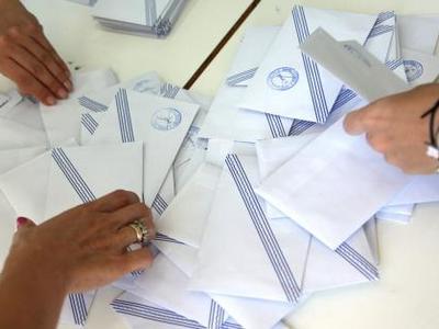Με βαριές κατηγορίες στον εισαγγελέα η εκλογική αντιπρόσωπος της ΝΔ που άλλαζε ψηφοδέλτια