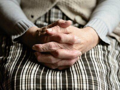«Νεκρή» γιαγιά γύρισε στο γηροκομείο 9 μ...