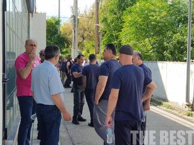 Κλείνουν για μια ώρα την Πατρών Πύργου οι εργαζόμενοι της Frigoglass