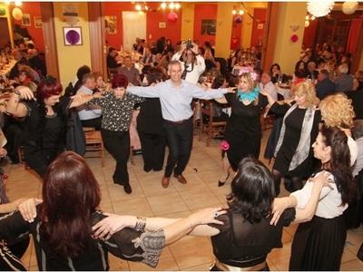 Επιτυχημένος ο αποκριάτικος χορός της Στέγης «Αγία Λαύρα» -ΔΕΙΤΕ ΦΩΤΟ
