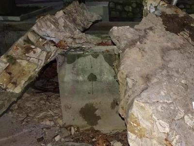 Ο πάγος κατέστρεψε το σιντριβάνι στην πλατεία των Καλαβρύτων