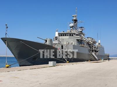 """""""Απόβαση"""" πολεμικών πλοίων στο..."""