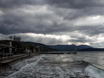 Καταιγίδες και σήμερα στα Δυτικά
