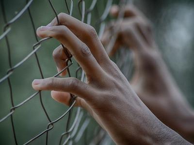 Πήγε για το αποφυλακιστήριό του «ζωσμένο...