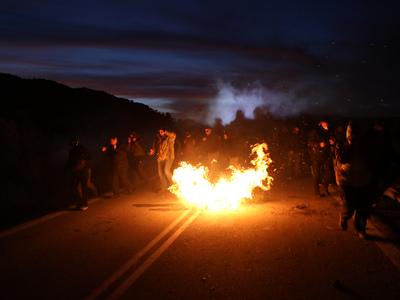 Μυτιλήνη: Συγκρούσεις πολιτών με τις αστυνομικές δυνάμεις