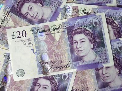 Βρετανία: Συνταξιούχος ξόδεψε 30.000 λίρες για ν' αποφύγει πρόστιμο 100 λιρών!