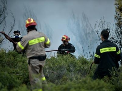 Mεγάλη φωτιά στην Ικαρία - Εντολή εκκένω...