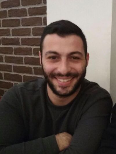 Πέθανε 27χρονος εθελοντής πυροσβέστης, χάνοντας τις αισθήσεις του κατά την κατάσβεση πυρκαγιάς στο Αγρίνιο