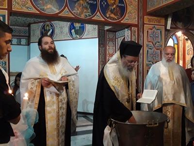 Ο Επίσκοπος Χρύσανθος βάπτισε την Κυριακή δύο παιδιά Ρομά